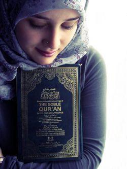 اسلام به جز حبّ على پایه ندارد. قرآن به جز وصف على آیه ندارد . خواستم بنشینم در سایه ى لطفش . دیدم على نور است سایه ندارد. میلاد باسعادت یگانه امیر مومنان عالم هستى و روز پدر مبارك باد.…a…