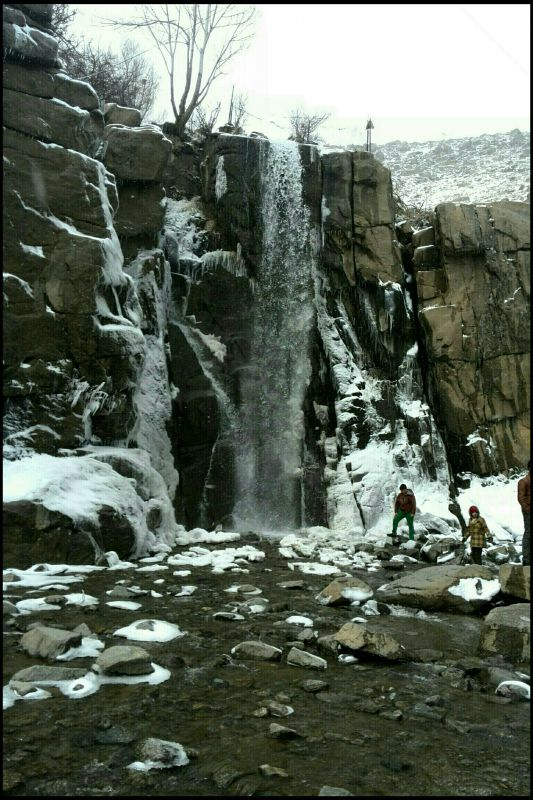 آبشار زیبا در گنج نامه همدان