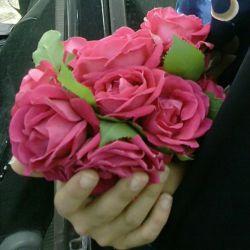 بعد چند روز نبودن سلام  این گل ها همه تقدیم شما