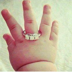 به امید اینکه یه روز این حلقه رو عشقت دستت کنه....