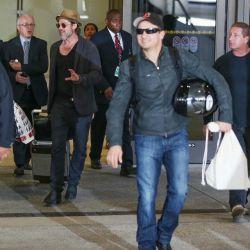 New Brad pitt in LOs Angeles airport (LAX) 2#3 عکس جدید برد در فرودگاه LAX