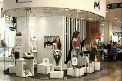 فروشگاه فروش زنان در اسراییل...آدم های موجود درعکس واقعی اند نه مانکن...