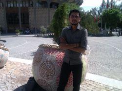 اینم چهاراه ولیعصر تهرانه نزدیک پارک دانشجو.................