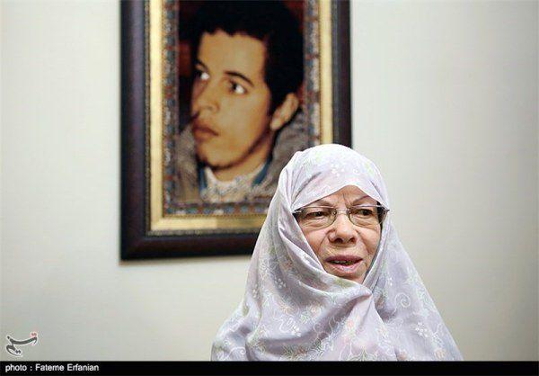 مادر شهید حسن باقری (غلامحسین افشردی)