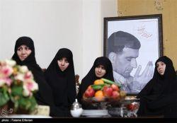 خواهران تشکل حزب الله سایبر در منزل شهید حسن طهرانی مقدم