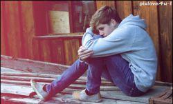 باور کن من هرگز لایق دوستت دارم های تو نبودم ، ملتمسانه ازتو میخواهم دوستت دارم هایت را به کسی بگویی که لایق دروغهایت باشد. . . .