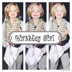 خب دیروز تولد شیلون بود که به نه سالگیش وارد شد :) shilon jolie pitt