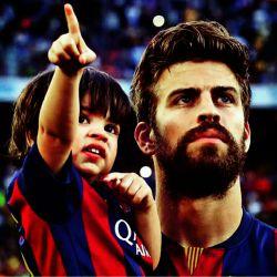 پیکه و پسرش میلان