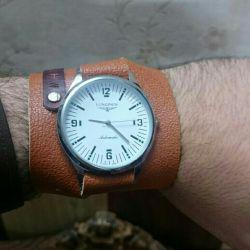 ساعت جدیدم چطوره؟ ساعتشو جداگانه خریدم .بندشو هم دادم ساختم برام