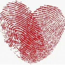 اثر انگشت ما از قلبهایی که لمسشان میکنیم هرگز پاک نمیشوند....
