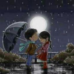 این شب ها که نیستی.... قرارمان باشد پای تابیدن های ماه.... حواسم هست که تو هم همان ماهی را می بینی که من می بینم اینجا... بدون تو.... قرارمان باشد با ماه... برساند نگاهم را به نگاهت... بی کم و کاست❤