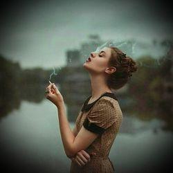 وقتی نفهمی کی سیگارت را روشن کردی و کی کشیدی و کی خاموشش کردی یعنی یک جای کار می لنگد بدجور...