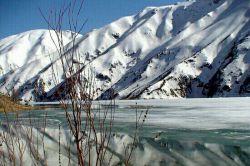 زمستان دریاچه گهر دورود