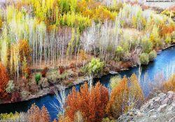 ایران ایر چارتر | رودخانه زاینده رود استان چهارمحال و بختیاری در پاییز