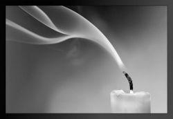 """""""... این شمع مگر نه خود من است؟ کارش چیست؟ سوختن و افروختن و گریستن و گداختن و دم بر نیاوردن و ایستادن و ذوب شدن و روشنی از سوزش خویش به محفل کوران بخشیدن، و در زیر باران اشک، و با شعلهی سوزان آتشی که از عمق هستیاش سر میزند، بر چهرهی هر ابلهی لبخند زدن، و در انبوه خلایق تنهای تنها بودن...(دکتر شریعتی)"""