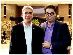 مدیر مرکز پارس در کنار جناب دکتر علیدوستی ریاست محترم پژوهشگاه علوم و فناوری اطلاعات