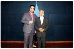 مدیر مرکز پارس در کنار جناب آقای دکتر کامران نماینده محترم مجلس شورای اسلامی