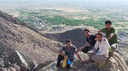 من دوستانم در ارتفاعات روستا